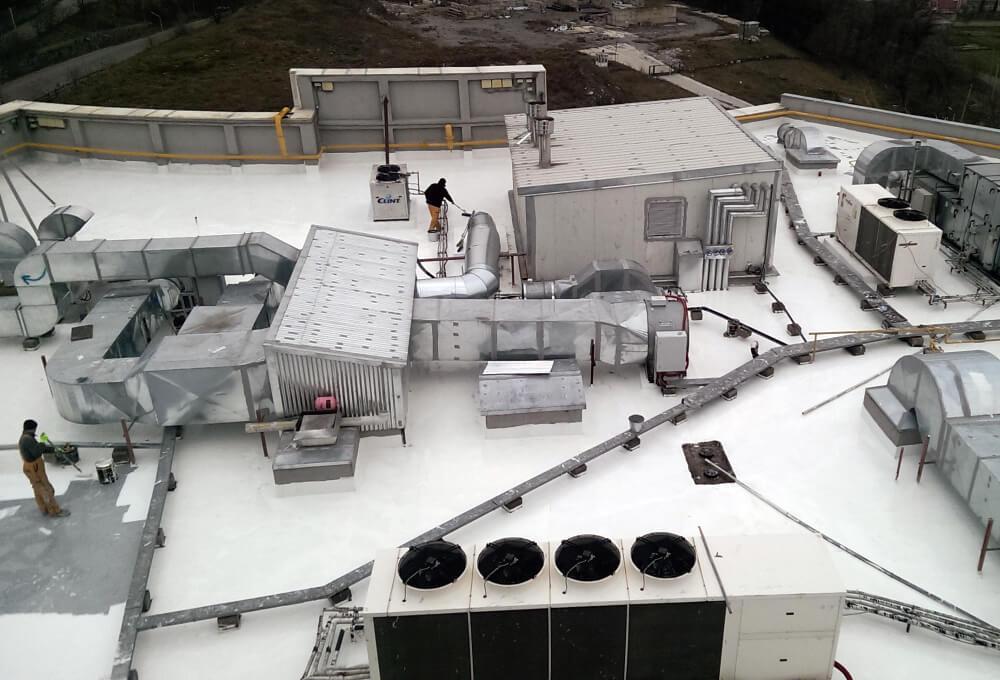 hydroizolacje-dachów-płaskich-w-obiektach-wielkopowierzchniowy